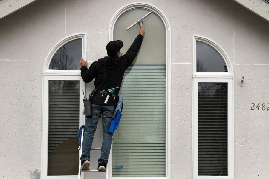 Seattle Tacoma Window Roof Amp Gutter Cleaning Service